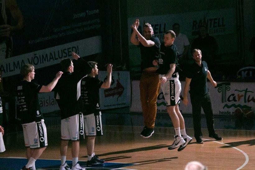 KÕIGEST EHMATUS? Tartu Ülikooli spordihoone mattus tunnid enne otsustavat poolfinaali pimedusse