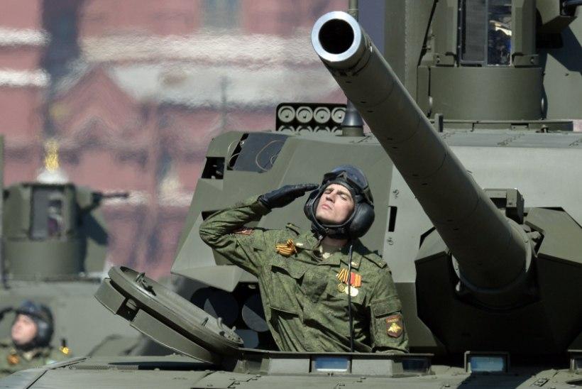 Venemaa kõige moodsam tank suri võiduparaadi peaproovil välja