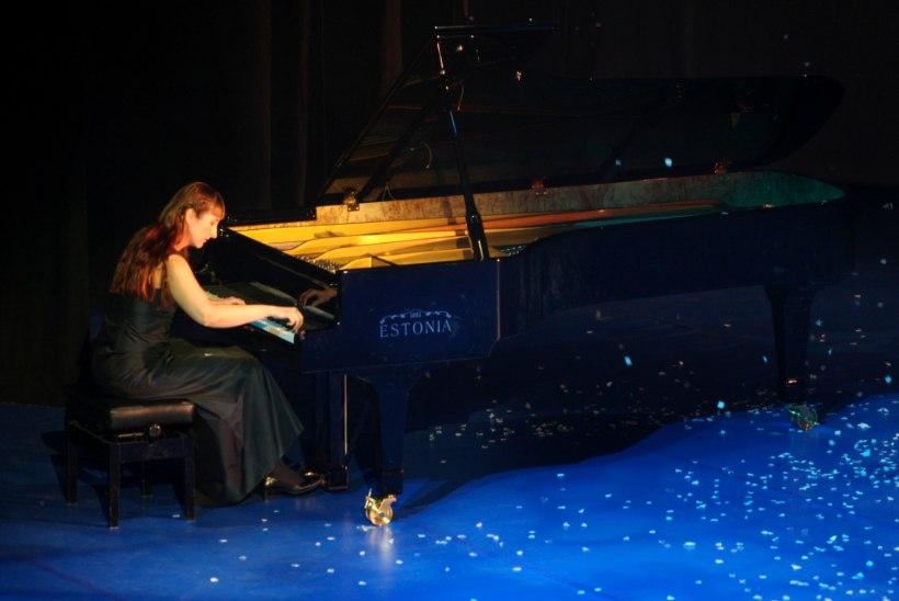 Kadri-Ann Sumera: isa kirjutas muusikat  öösiti ja need viisijupid tungisid mu unenägudessegi