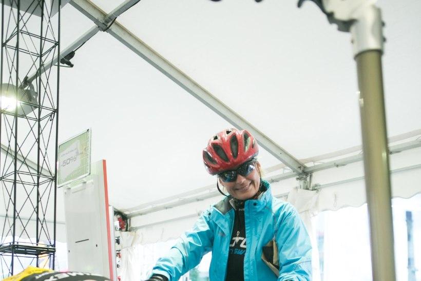 Tartu rattaralli – kukkumised, veri ning võitlus autodega, kuid finišis ikka naeratus näol