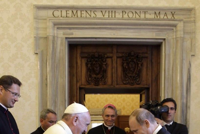 Patte andeks paluma läinud Putin hilines paavsti juurde 77 minutit