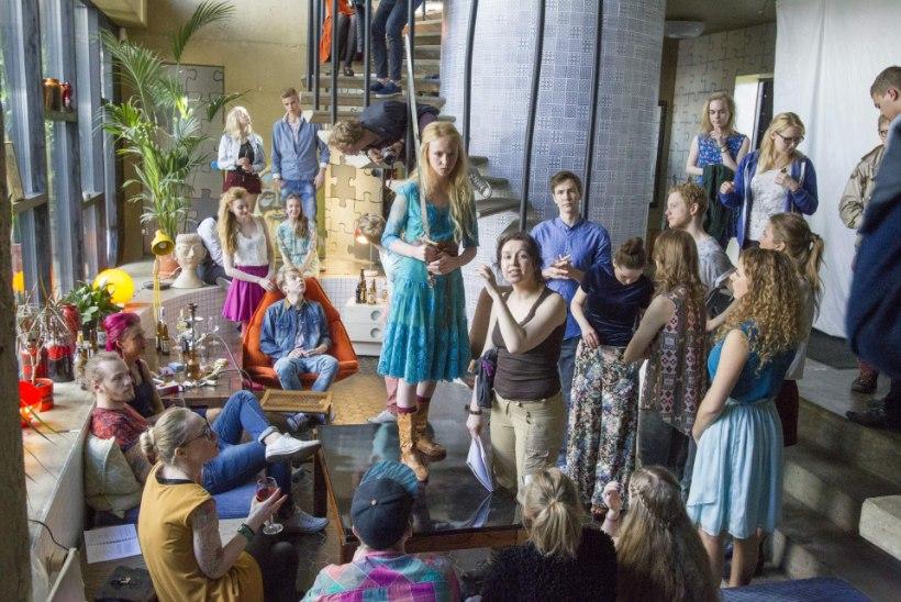 """Uue noortefilmi võtetel: """"Su pluus on peaosatäitja kleidiga liiga sama värvi, otsime uue!"""""""