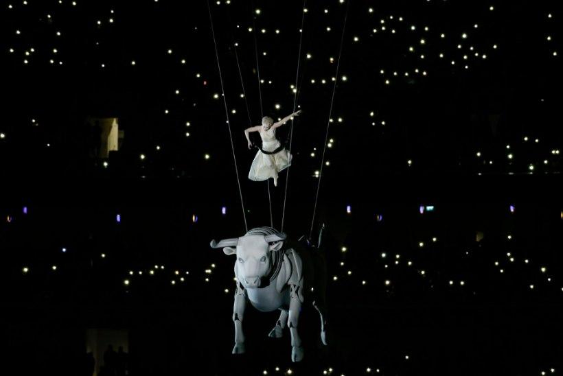 GALERII   Esimesed Euroopa mängud avas Lady Gaga ballaad ja meeletu tulemöll