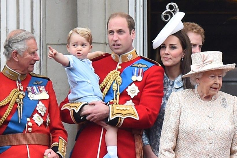 FOTOD: hertsoginna Catherine'i esimene avalik üritus pärast lapse sündi
