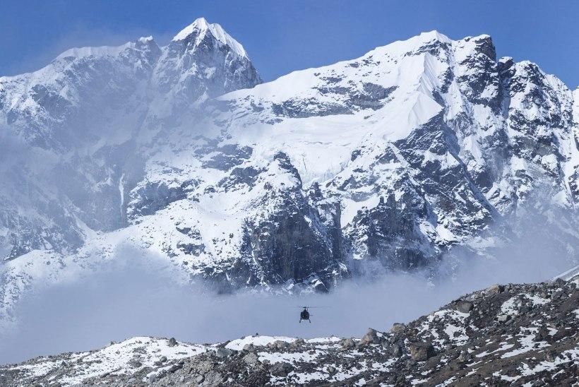Nepali maavärin nihutas Mount Everesti edela suunas