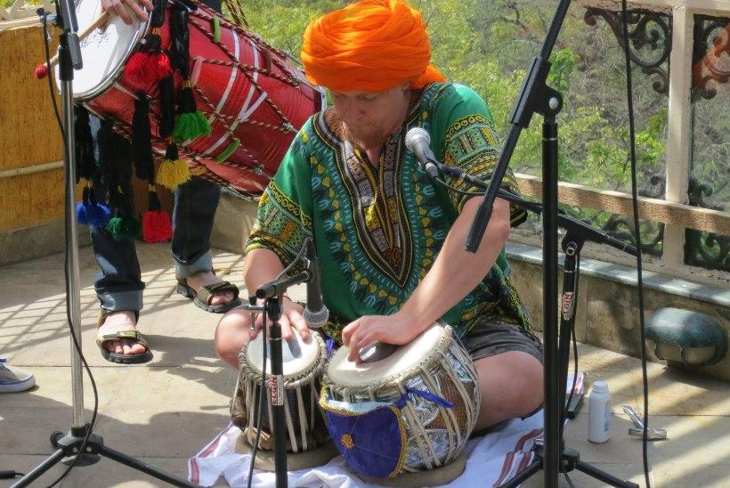 Bombillaze trummar: loodan, et minu õpetajaga Nepalis on kõik hästi