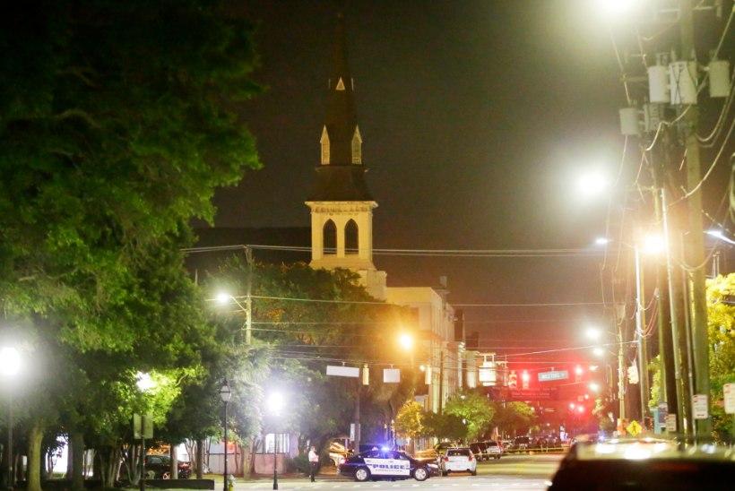 Vihakuritegu kirikus: valge mees tappis üheksa mustanahalist