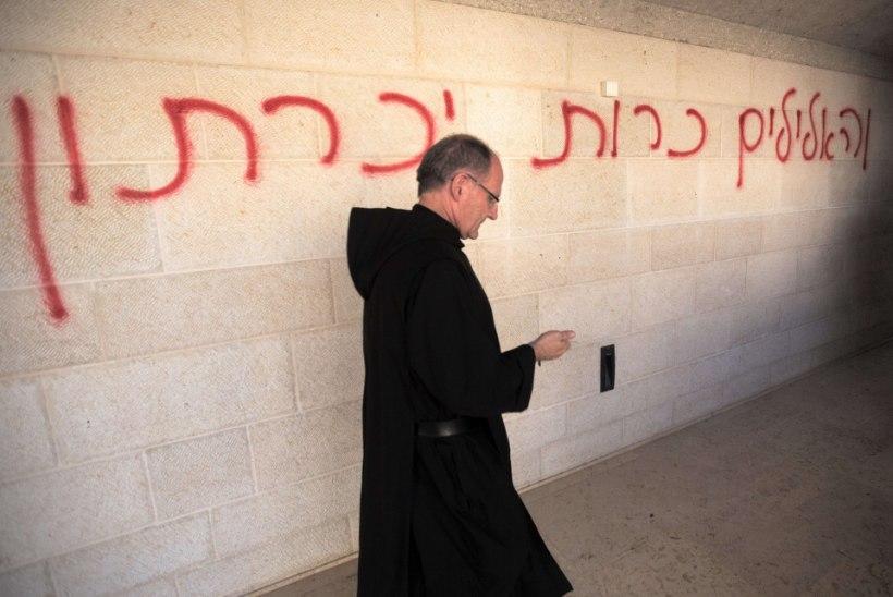 FOTOD | Iisraelis süüdati Jeesuse imeteoga seotud kirik