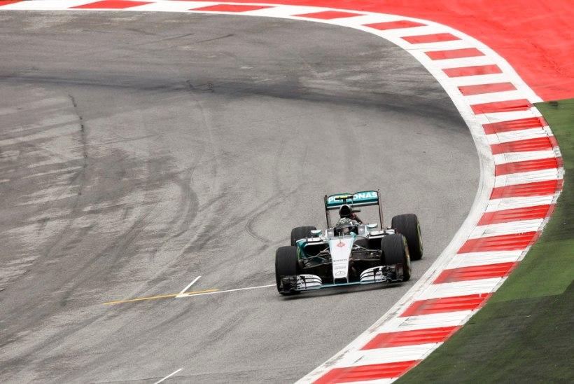 VIDEO ja GALERII | Hamilton-Rosberg tegid pirueti, aga stardivad esirivist, Räikkönen põrus ja ropendas