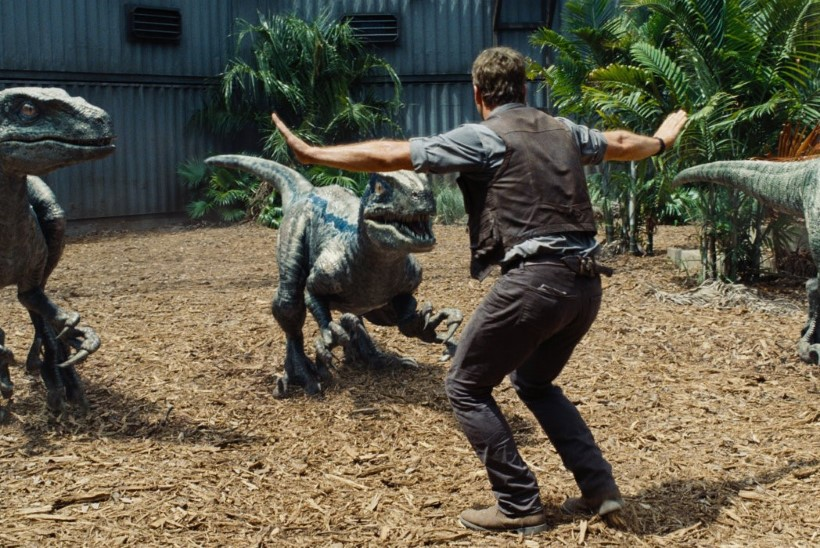 """Teadlased pahased: film """"Jurassic World"""" maalib dinosaurustest vale pildi"""