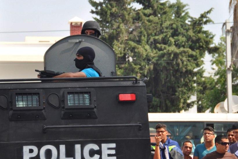Väljaanne: purjus vene turistid käitusid Tuneesias rünnaku järel ebakorrektselt