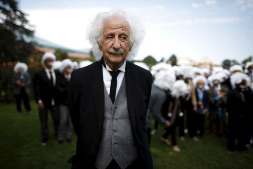 FOTOD | Lastele head teha soovijad riietusid Albert Einsteinideks