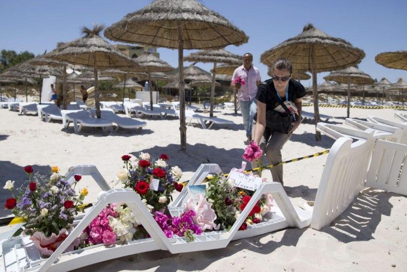 ENNASTOHVERDAV JULGUS: tuneeslased katsid oma kehaga turiste nende suunas vihisevate kuulide eest