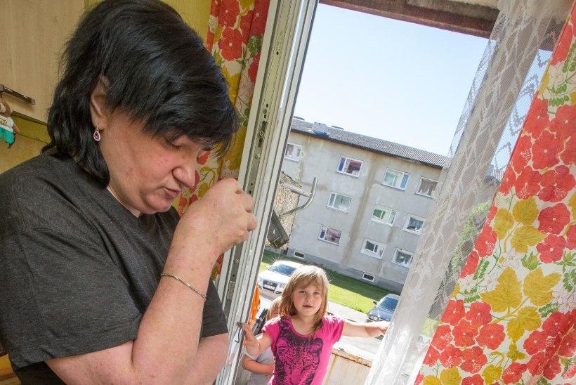 Leinav pere: me ei suuda ette kujutadagi õudu, mida isa tundis, kui mõrtsukas teda padjaga lämmatas!