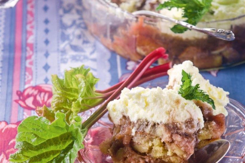 Rabarberi-trifle
