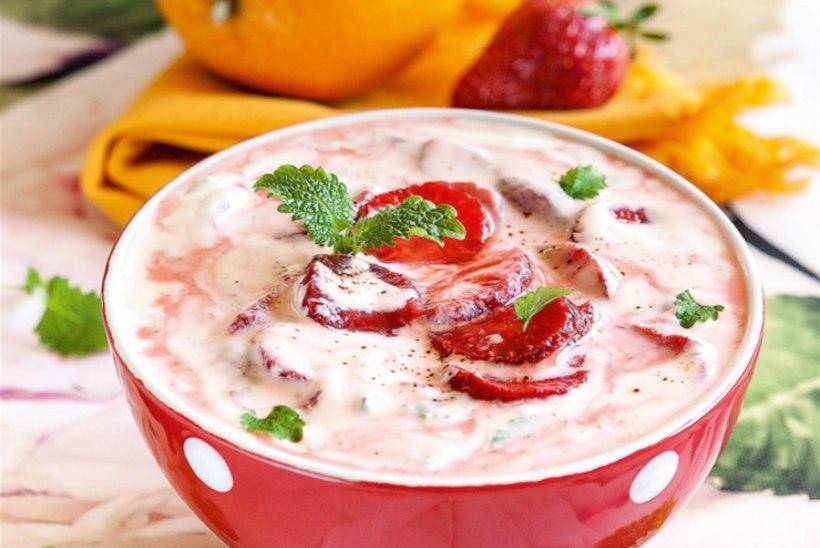 Maasika-apelsinisupp kreeka jogurtiga