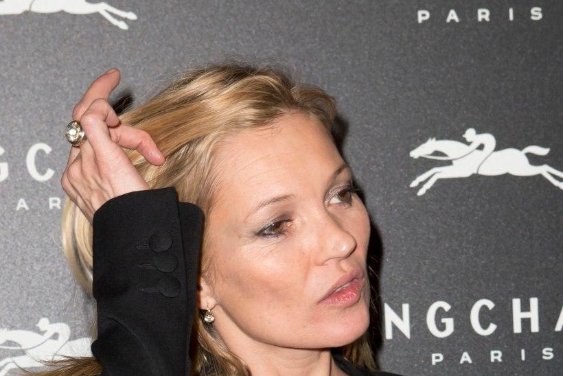 SUPERMODELL PEOHOOS: lennukis viina joonud Kate Mossile kutsuti lennujaama politsei vastu