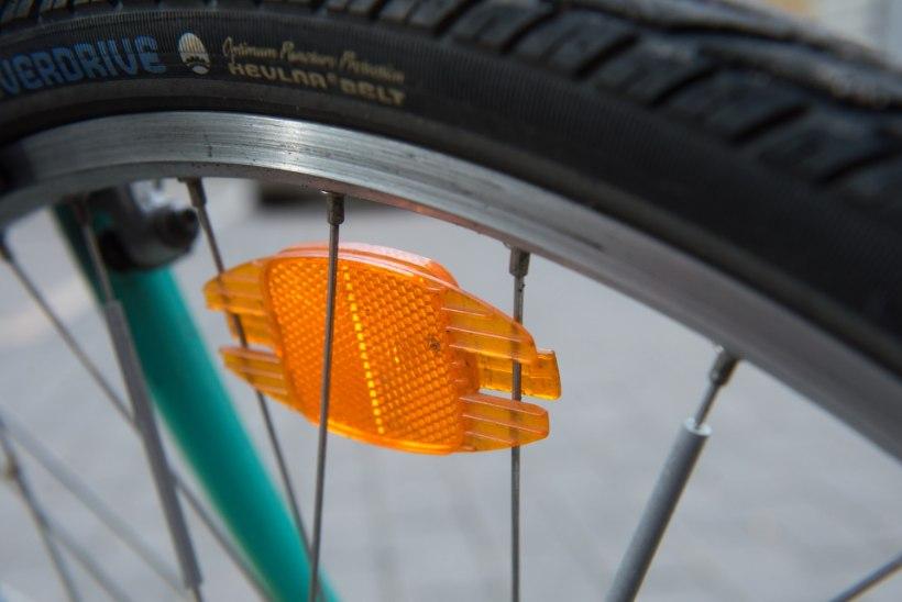Juhiloata sõidukijuht sõitis otsa 7-aastasele jalgratturile