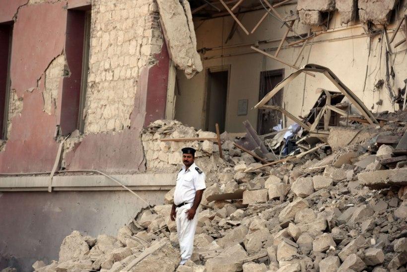 FOTOD I Eesti mõistab hukka terroriakti Itaalia konsulaadi juures Kairos