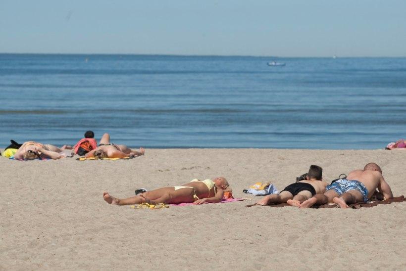 GALERII | Palavad ilmad tõid rahva randa
