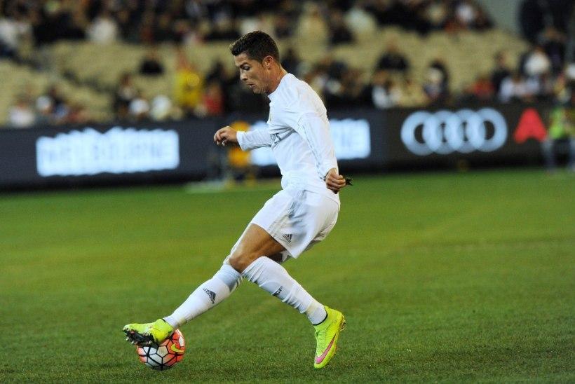 Ronaldo kinkis Reali treeneritele 20 ülimoodsat nutitelefoni