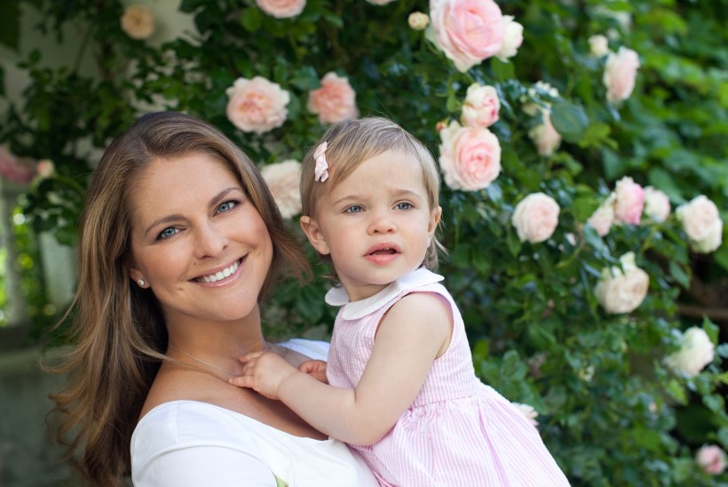 FOTOD | Printsess Madeleine särab perefotodel koos laste ja abikaasaga