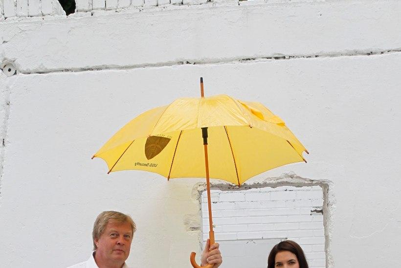 GALERII | Liisi Koikson ja Raivo Tafenau bänd esitasid lugusid maailma filmimuusika kullafondist