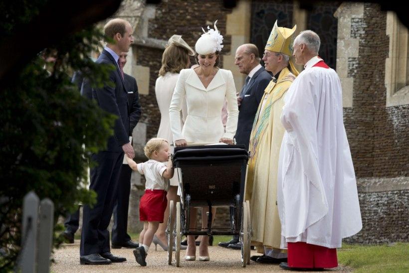 Briti kuningakoda pidas printsess Charlotte'i ristseid