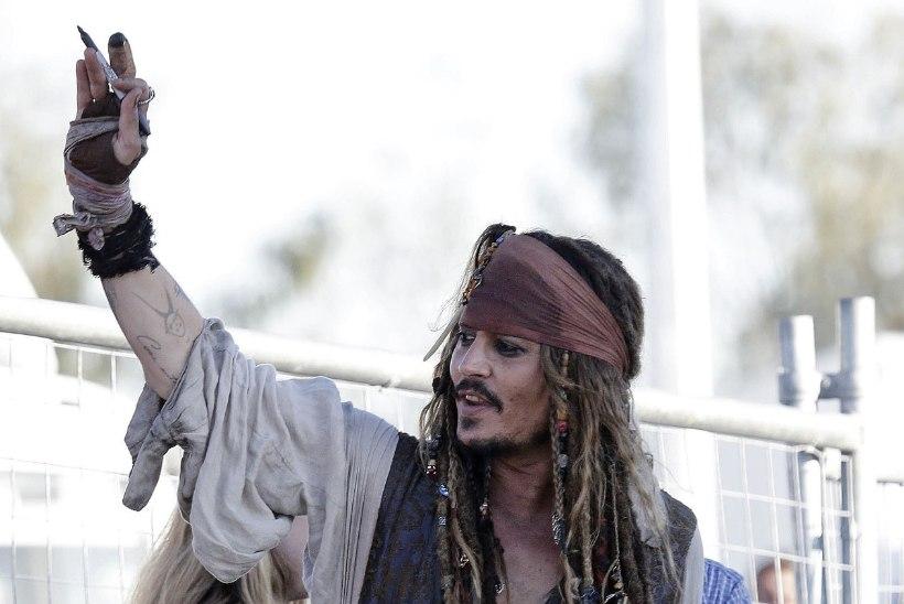 Johnny Depp rõõmustas haiged lapsi Jack Sparrow'na!