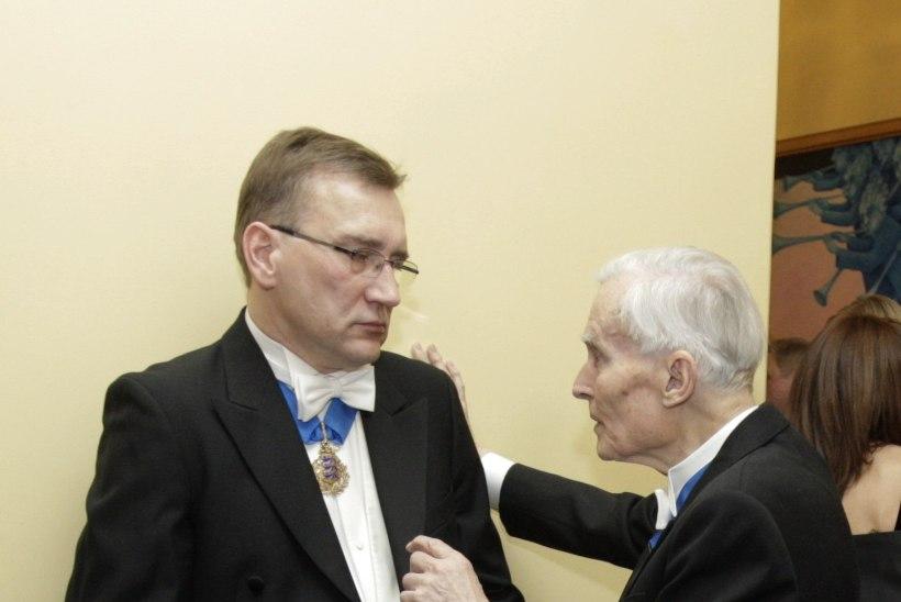 Võitmatu väitleja on vaikinud: Suri akadeemik Endel Lippmaa 15.09.1930 – 30.07.2015