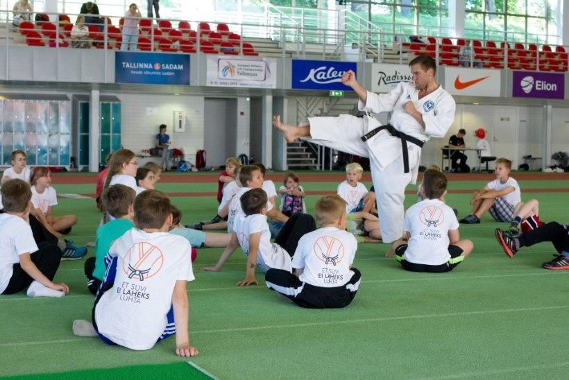 Laste karatetrenn nagu filmis