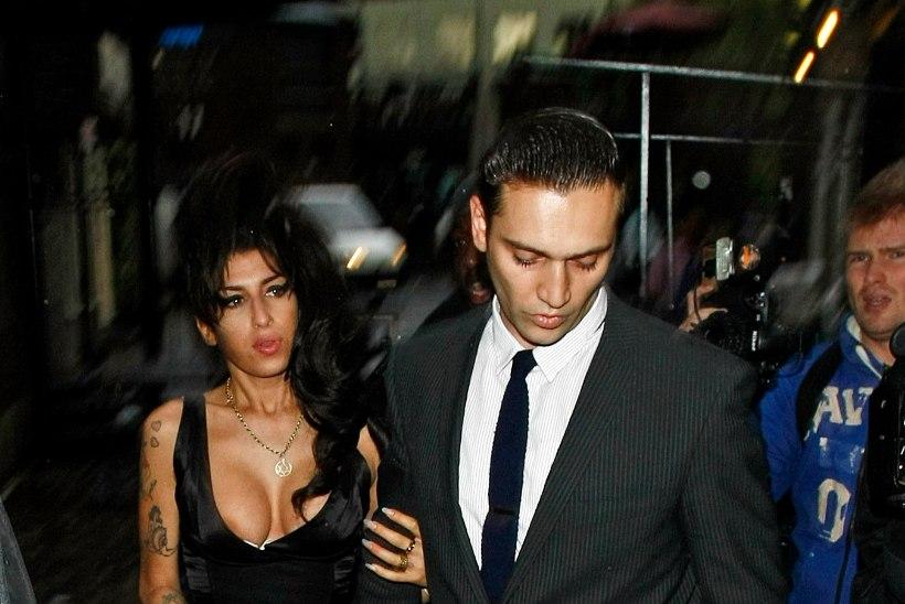 Amy Winehouse'i isa: Amy tahtis pere luua!