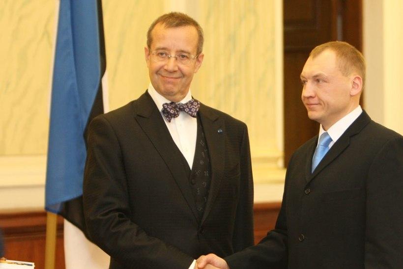 President Ilves kohtus Kaitsepolitsei ametnik Eston Kohveri perekonnaga