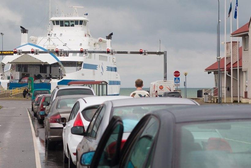 Väinamere Liinid: pühapäeval mandrile soovijad peavad arvestama pika ooteajaga