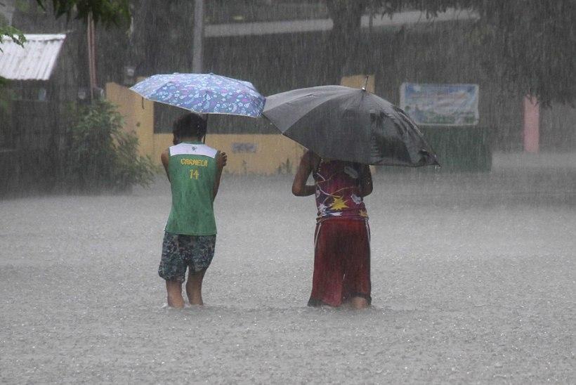 FOTOD   Filipiine tabanud taifuunis hukkus vähemalt kümme inimest