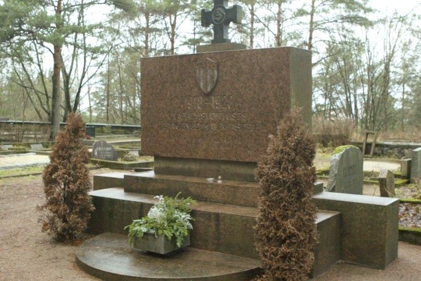 Marko Mihkelson: toogem Vabadussõja monumentidele rohkem lilli kui tuuakse Pronkssõdurile!