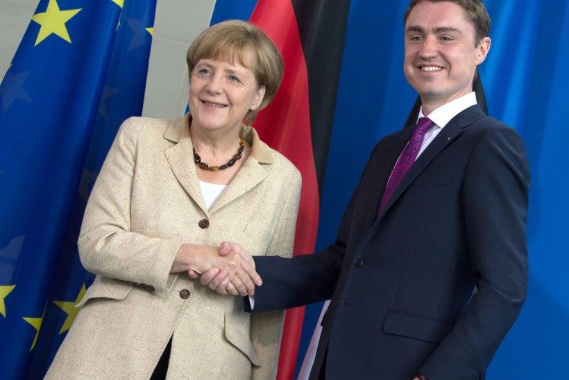 Rõivas vestles telefonitsi Merkeliga