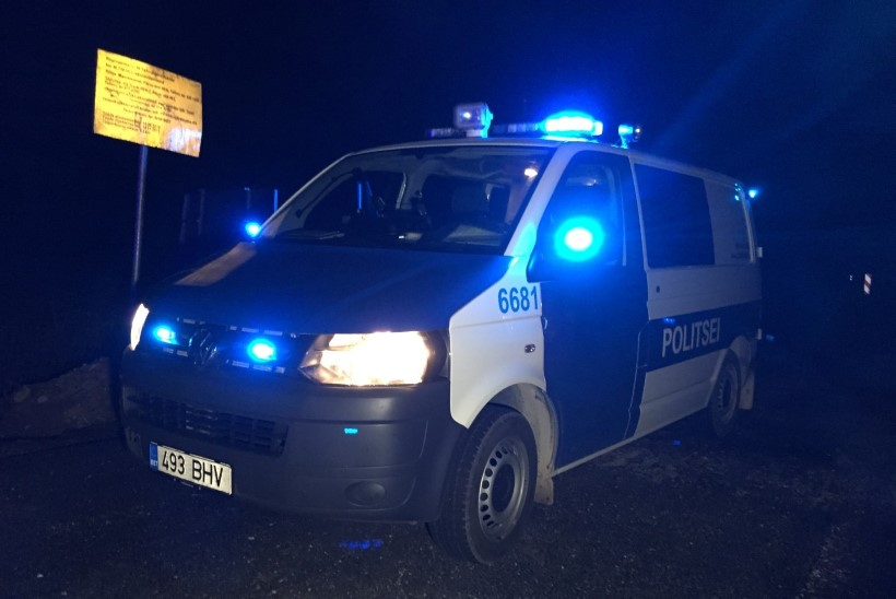 FOTOD   TAGAAJAMINE JÕGEVA- JA JÄRVAMAAL: tanklast maksmata lahkunud juht põgenes politsei eest