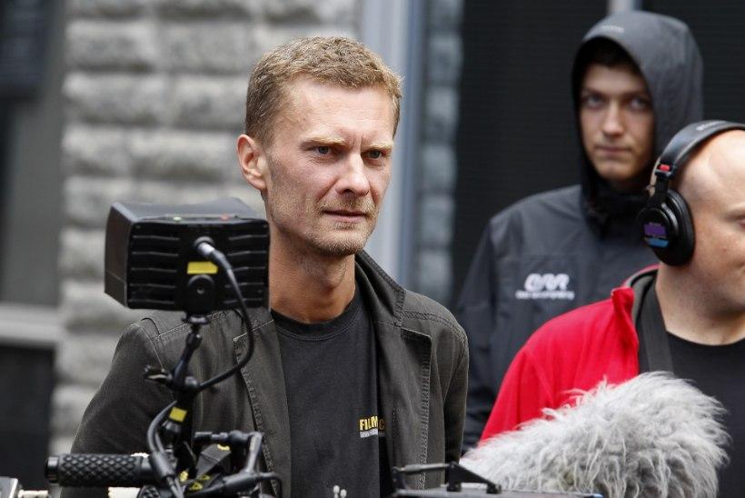 """PÕNEV! Andres Puustusmaa kergitas uuelt sarjalt """"Mustad lesed"""" saladuskatet"""