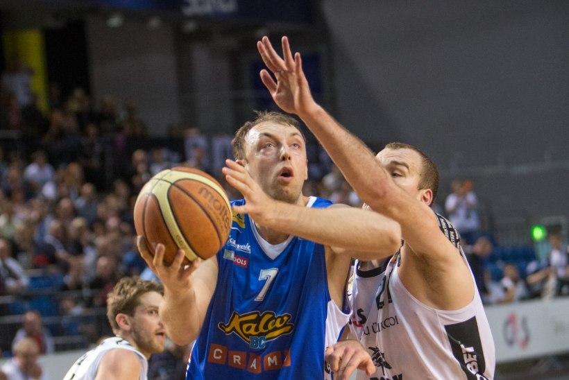 Ukraina koondise peatreener keeldus Kalevis mänginud Petšerovist