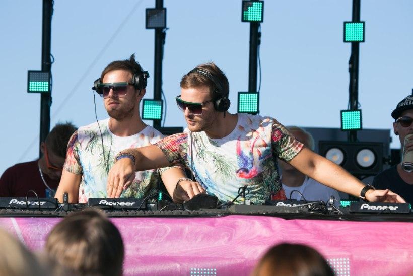 ÕHTULEHE VIDEO JA GALERII | Kaksikvendadest Eesti DJ-d viskasid niigi kuumast päikesest üles köetud publikule veelgi kütet alla!