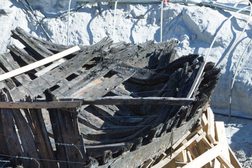 FOTOD | Laevavraki tõstmine jäi eile katki, täna õhtul minnakse uuele katsele