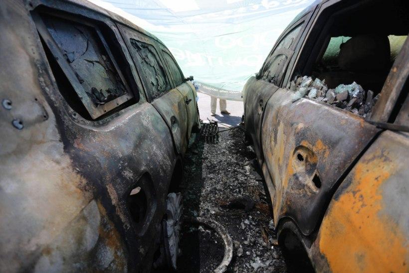Donetskis põletati OSCE autosid