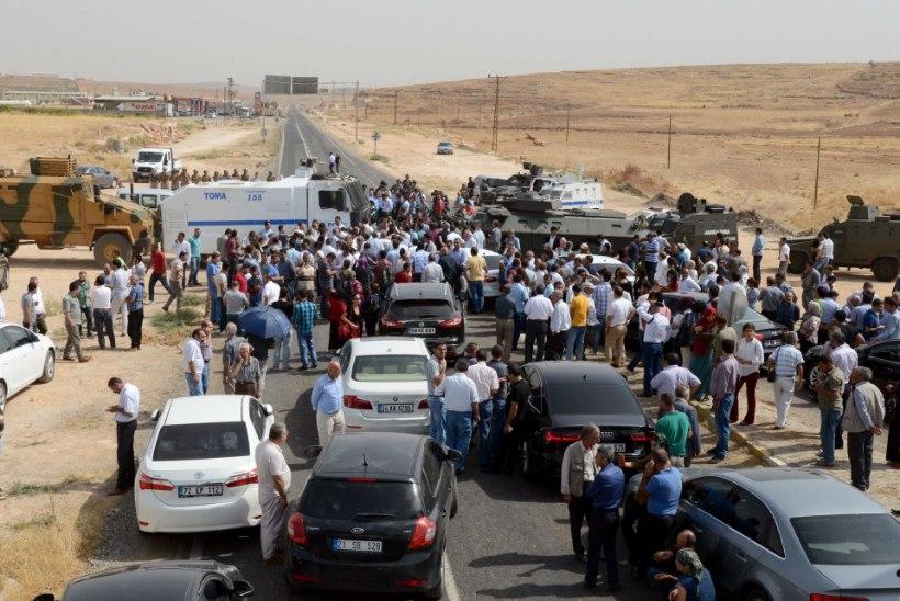 Türgi kaguosas jätkuvad valitsusvägede ja kurdide kokkupõrked, surma sai 30 inimest