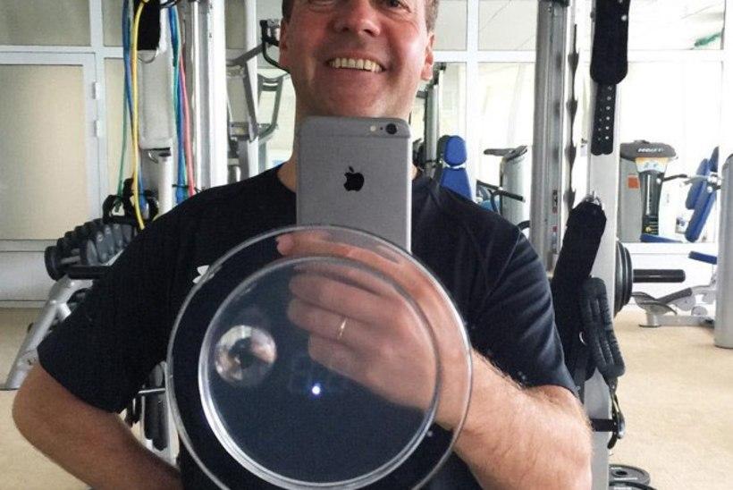 GALERII | Juubilarist Medvedev on agar fotograaf