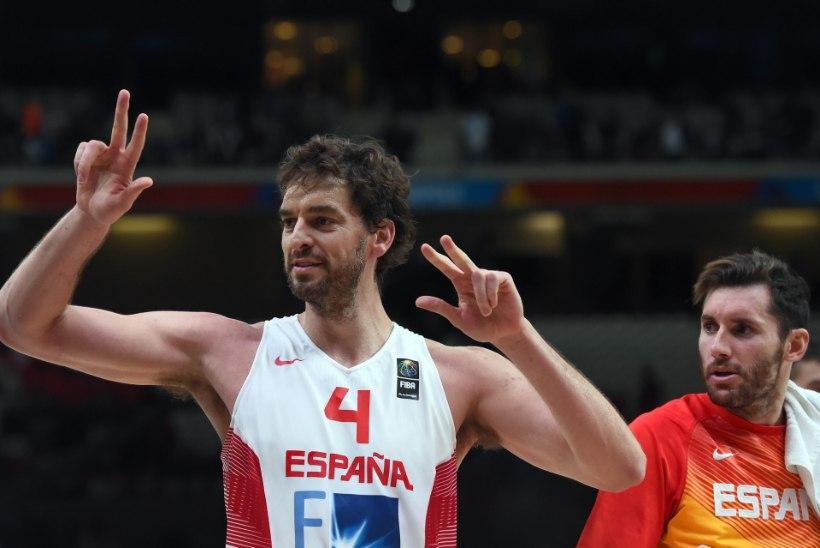 GALERII   Hispaania serveeris Kreekale EMi esimese kaotuse ja pääses poolfinaali