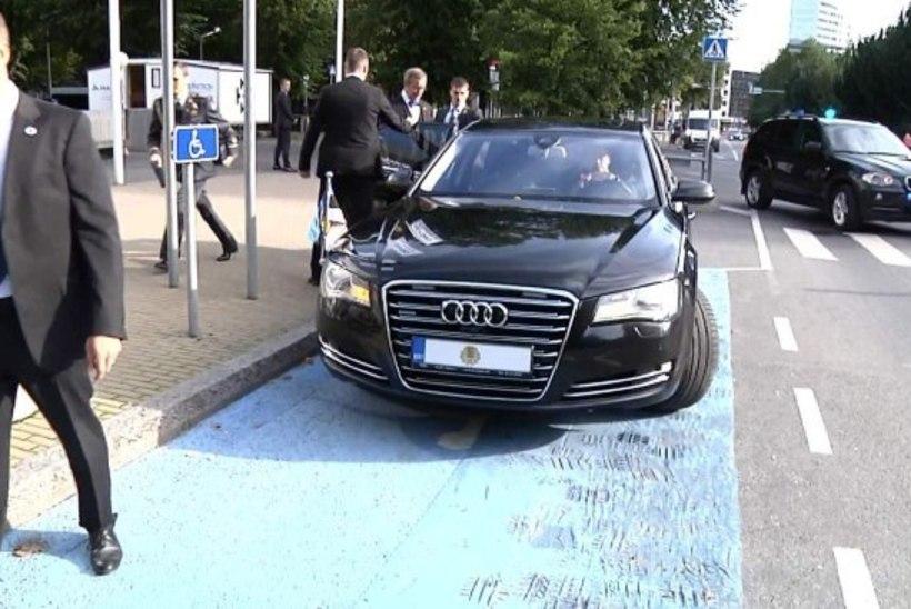 Miks politsei ja mupo ei uuri presidendi auto invakohal parkimist