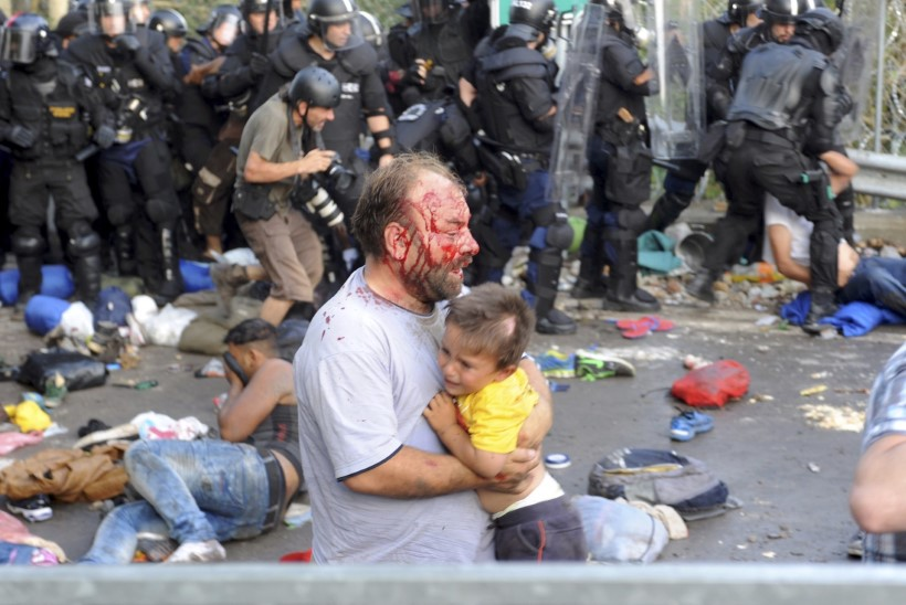ÜRO peasekretär peab Ungari tegusid šokeerivaks, Budapesti kinnitusel kasutavad agressiivsed migrandid lapsi inimkilbina