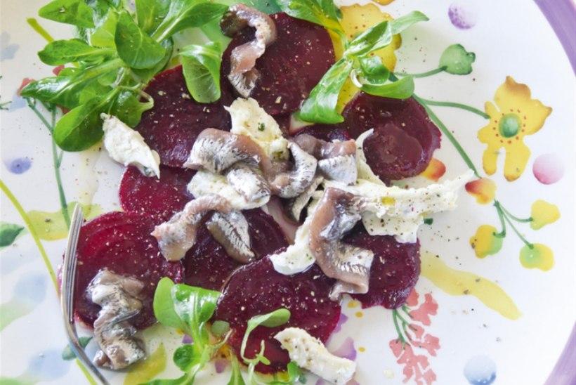 Peedi-anšoovise salat