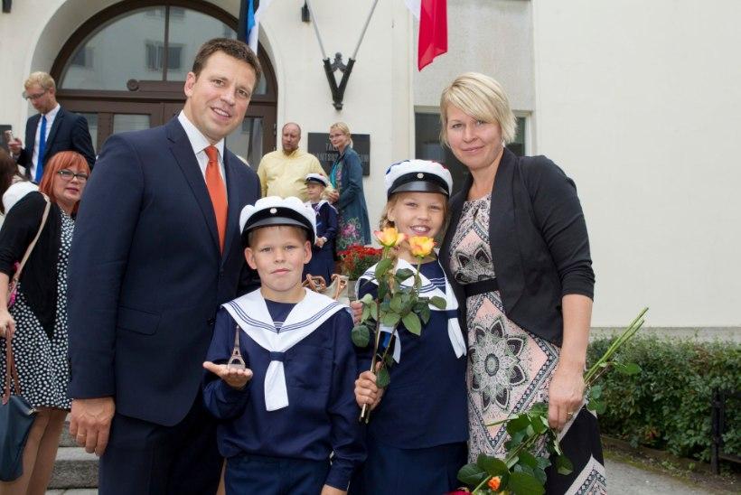 Jüri Ratas lubab koos pojaga kodutöid tegema hakata